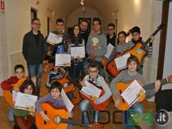 03-12-chitarra-young
