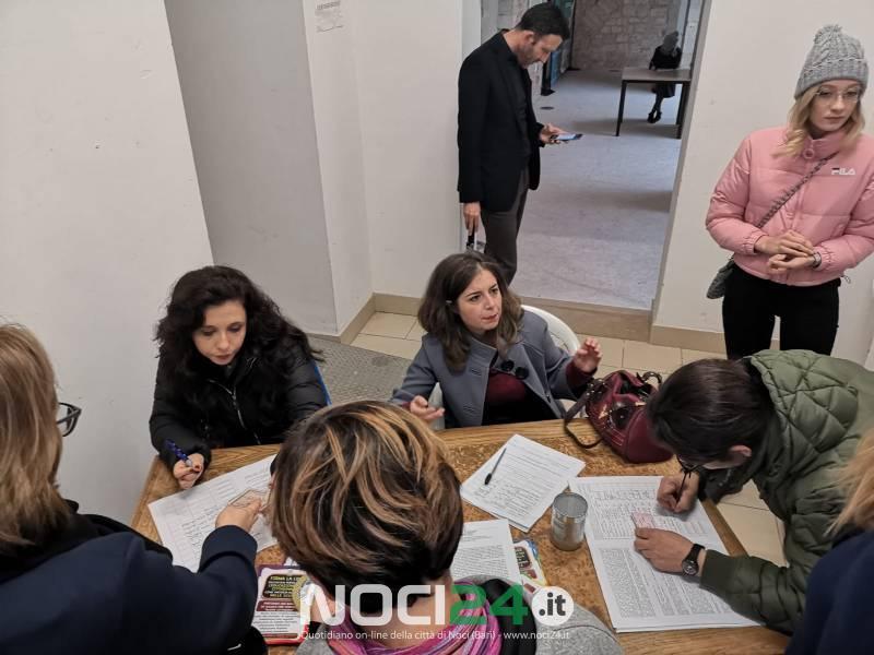 Bari: Capurso, raggira una donna per farsi consegnare il