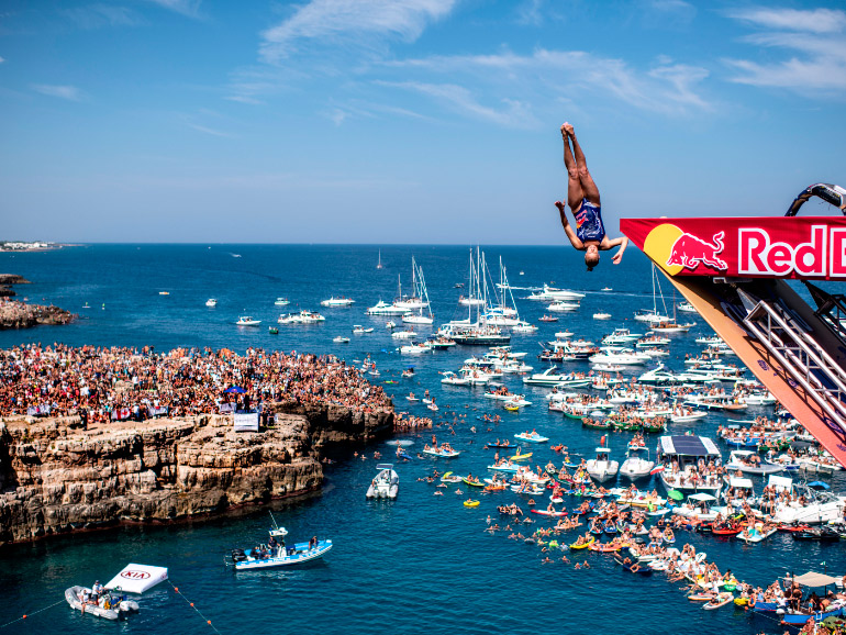 09 23 red bull cliff diving polignano 2018